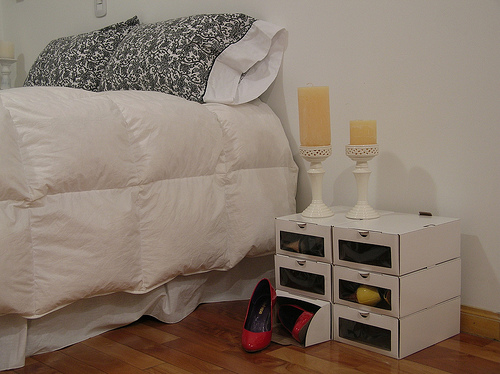 Cajas decoradoras decocasa for Perchas para colgar botas