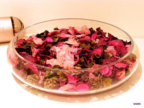 Decorar tu casa con flores secas - Centros de mesa con pinas secas ...
