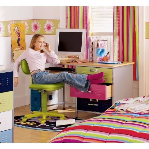 Escritorios para los m s chicos decoradoras decocasa for Escritorios para habitaciones