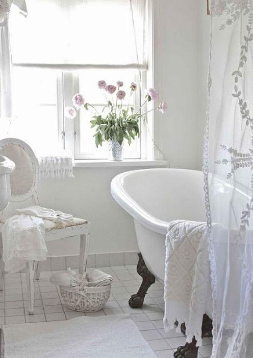 Bañeras con patas para crear una atmósfera femenina – Decoradoras ...