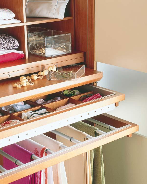 Ideas para el interior del placard decoradoras decocasa - Distribuir armario empotrado ...