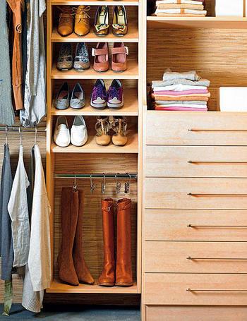 Ideas para el interior del placard decoradoras decocasa for Interior armario zapatero